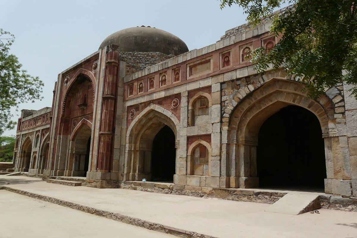 Jamali Kamali Mosque and Tomb