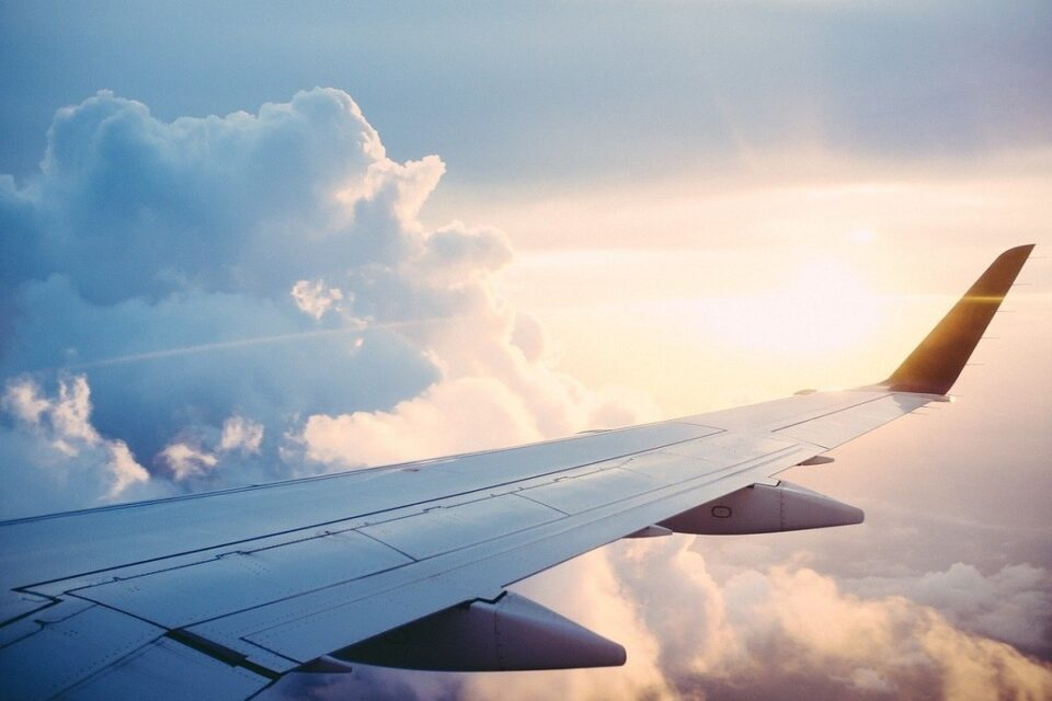 How To Compare And Book Cheap Flight Tickets Online