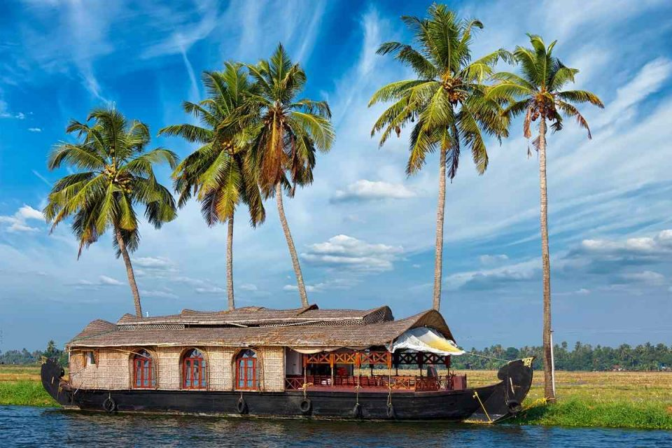 7 Best Tourist Places In South Kerala That You Must Visit For A Blissful Southern Getaway!